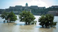 Budapest during the June 2013 floods Posted by floodlist.com