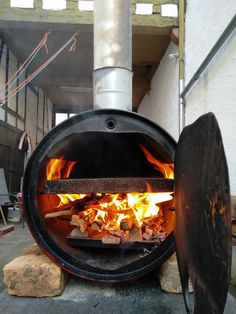 Pizzatonne / Pizzafass / Fassofen | Grillforum und BBQ - www.grillsportverein.de Outdoor Grill Area, Pizza Oven Outdoor, Outdoor Kitchen Bars, Outdoor Cooking, Wood Oven, Wood Fired Oven, Woodfired Pizza Oven, Barbacoa, Custom Bbq Smokers