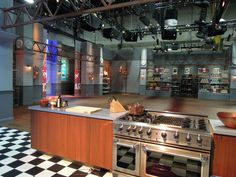 Go behind the scenes with a set tour of #FoodNetworkStar.