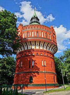 19th-century water tower - Polski: Wieża ciśnień w Bydgoszczy przy ul. Filareckiej, zbud. w 1900 roku, mieści Muzeum Wodociągów i Kanalizacji, a na szczycie galerię widokową