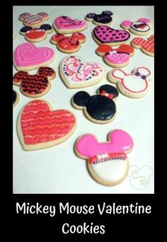 Who wouldn't love getting these Mickey and Minnie Mouse Valentine's Day cookies? If you want to make these for your loved ones, the recipe is super simple! Disney Valentines, Valentines Day Cookies, Valentine Ideas, Holiday Cookies, Disney Food, Disney Mickey, Disney Recipes, Mickey Mouse Cookie Cutter, Cookies