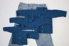 Crochet Shawl, Crochet Baby, Knit Crochet, Baby Jokes, Baby Kids, Baby Boy, Baby Vest, Baby Sneakers, Knitting For Kids