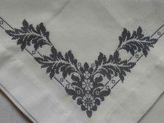 Cross Stitch Designs, Cross Stitch Patterns, Crochet Patterns, Mantel Azul, Cross Stitch Embroidery, Monochrome, Needlework, Cross Stitch Flowers, Herb