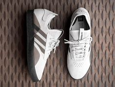 Adidas have introduced the future of skateboarding shoes. Minimal Shoes, Shoe Releases, Fashion Shoes, Mens Fashion, Shoe Gallery, Skate Shoes, Shoe Collection, Adidas Shoes, Designer Shoes