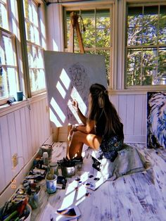 working in studio Art painting paintwork colors denim jeans summer spring sty. Studios D'art, Art Hoe Aesthetic, Aesthetic Drawing, Aesthetic Bedroom, Ideias Diy, Artist At Work, Art Inspo, Art Photography, Aesthetics