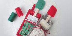 Tuck in a Spatula and Recipe for a Special Gift! This simple quilted potholder is so easy to sew, yet makes a big impression. The pocket is perfect for including a recipe the recipient will love, and a colorful spatula. These potholders are great for housewarmings, newlyweds, bridal showers, Christmas and … well, you'll think …