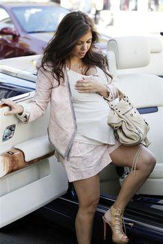 Kourtney Kardashian's Maternity Style | Gallery | Wonderwall