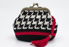 Items similar to Crochet coin purse Kiss lock wallet Burgundy color with white beads Change purse Retro style on Etsy Crochet Wallet, Crochet Case, Crochet Coin Purse, Crochet Purses, Diy Crochet, Crochet Ideas, Knitted Beret, Knitted Gloves, Chunky Wool