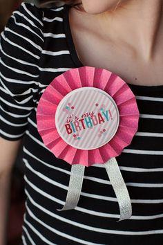 eighteen25: Birthday Badges - free printable