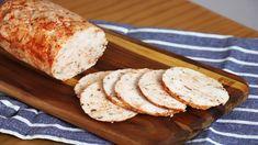 Keď vyskúšate túto domácu kuraciu rolku podľa receptu z youtube, budete ju chcieť mať na stole každý deň.Je veľmi jemná a delikátna a bez zbytočných konzervantov.Potrebujeme:600 g mletých kuracích pŕssoľoreganokorenie čierne mletésušenú cibuľusladkú papriku podľa … Best Grilled Chicken Marinade, Chicken Marinade Recipes, Charcuterie, Perfect Baked Chicken Breast, Tapas, Chicken Sausage Recipes, Chicken Alfredo Lasagna, Chicken Cashew Stir Fry, Pollo Chicken