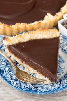 Chocolate Macaroon Pie - this easy macaroon recipe is baked into a pie crust and then filled with a rich chocolate ganache filling!Get the recipe here!