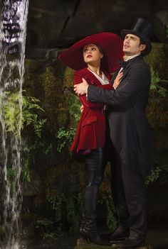 Mila Kunis and James Franco Oz: The Great and Powerful