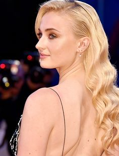 Sophie Turner attends the premiere of 'Hacksaw Ridge' during the 73rd Venice Film Festival