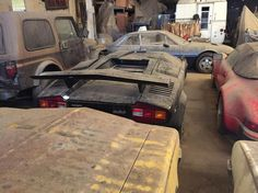 21-year-old car collector known be the name of Vince Hernandez, buy AN old house with a barn and find a valuable collection of automotive treasure with a number of the costly luxury automobile...