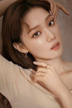 Korean Actresses, Korean Actors, Lee Sung Kyung Photoshoot, Weightlifting Fairy Kim Bok Joo, Glass Skin, Joo Hyuk, Korean Celebrities, Korean Model, K Idols