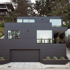 Stacked volumes form Los Angeles hilltop home by Aaron Neubert
