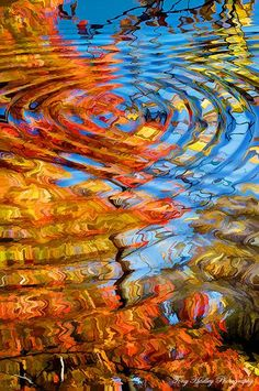 Reflections on Fall (by Dig Alt).Rippling reflections of autumn foliage. Not a quilt, but would be a beautiful design for one. All Nature, Belle Photo, Autumn Leaves, Autumn Fall, Blue Leaves, Autumn Trees, Beautiful World, Cool Photos, Art Photography