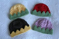 #Pattern #Free #Knitting Baby Crown/Berry Hat