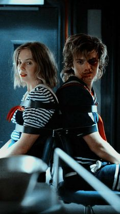 A Stranger Things wallpaper of Robin Buckley and Steve Harrington tied up in chairs. Stranger Things Netflix, Stranger Things Wall, Stranger Things Actors, Stranger Things Aesthetic, Stranger Things Season, Jonathan Stranger Things, Steve Harrington Stranger Things, Robin, Tumblr