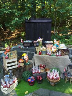 Fantastic Snow White birthday party! See more party ideas at CatchMyParty.com!