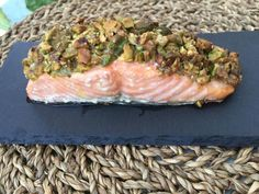 Il salmone è un pesce già molto gustoso da solo, quindi con l'aggiunta dei pistacchi il sapore si amplifica! Da provare 😊 Trovate la ricetta sul nostro blog! Ethnic Recipes, Blog, Blogging