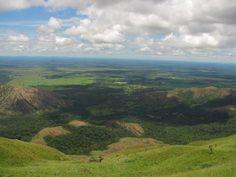 O Mirante do Centro Geodésico, mais conhecido como Mirante da Chapada, é um dos atrativos mais famosos da cidade, por exibir uma vista panorâmica belíssima.