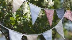 Itse tehty viirinauha koristaa kesän juhlat. Kuvallisten ohjeiden avulla viirinauhan ompeleminen on helppoa. Sewing, Plants, Banners, Birthday Ideas, Diy Ideas, Dreams, Dressmaking, Couture, Stitching