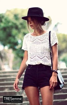 Crop Tejido Blanco Look Casual Playa TRESemmé