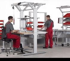 Les postes de travail ergonomiques chez item http://www.item24.fr/fr/home/produits/catalogue-produits/products/postes-de-travail.html