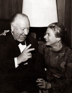 Alfred Hitchcock and Ingrid Bergman. Ingrid Bergman looks like my mom. Fortunately, no relative looks like Alfred. Ingrid Bergman, Alfred Hitchcock, Hollywood Stars, Classic Hollywood, Old Hollywood, Hollywood Icons, Isabella Rossellini, Vanessa Redgrave, Stockholm