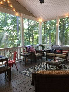 Summer Screened Porch Tour - A Southern Inspired Life Screened In Porch, Porch Swing, Front Porch, Nautical Porch Decor, Porch Kits, Porch Ideas, Patio Ideas, Building A Porch, Bistro Chairs