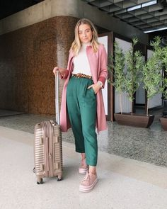 Best Spring Outfits Part 5 Office Outfits For Ladies, Casual Work Outfits, Professional Outfits, Colourful Outfits, Colorful Fashion, Looks Style, Casual Looks, Cool Winter, Color Blocking Outfits
