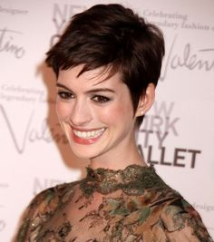 2012 New York City Ballet Fall Gala, Anne Hathaway pixie
