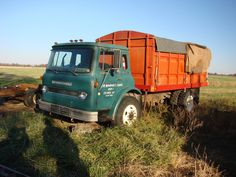 International (Trucks) CargoStar Grain Truck