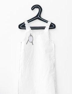 #DIY #Clothes hanger #wardrobe - zelfmaakidee: #kledinghanger #garderobe #kledingkast - kijk op: www.101woonideeen.nl