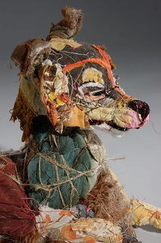 Elisabeth Higgins O'Connor makes these highly expressive textile sculptures of an unexpected mix of scraps and typical household textile. Textile Sculpture, Art Textile, Textile Artists, Soft Sculpture, Lion Sculpture, Mattress Covers, Foam Mattress, Fabric Art, Scrap Fabric