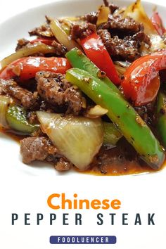 Chinese Pepper Steak Recipe is a classic dish that is very fast and easy to make. This dish is ready in less than 15 minutes, try it now! Pork Recipes, Asian Recipes, Cooking Recipes, Healthy Recipes, Sizzle Steak Recipes, Easy Steak Recipes, Recipies, Beef Dishes, Food Dishes