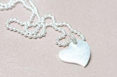 Ketten kurz - Kette 925er Silber Kugelkette Herz - ein Designerstück von Werkart bei DaWanda