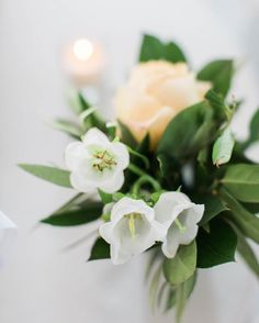 White and butter yellow summer florals by Amanda Burnette. Photo by Nikki Santerre