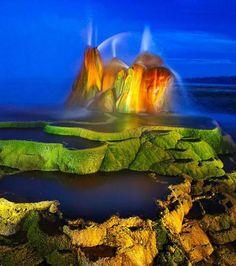 Photo extraite de Découvrez les impressionnants geysers du site naturel de Fly Geyser dans le Nevada (8 photos)