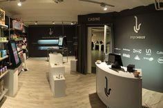La boutique couvre un espace de 30 m².