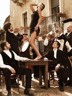 Znalezione obrazy dla zapytania greek dance on table
