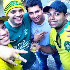 Caio Filipe, Bruno, Rafael e Tércio estão na luta para ganhar o título da selfie do dia. Será que eles ganham?