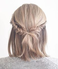 Geflochtene Half-Updo Frisuren z. - Geflochtene Half-Updo Frisuren z. mittleres Matte ★ …, Source by Bestideen - Half Updo Hairstyles, Prom Hairstyles For Short Hair, Braids For Short Hair, Hairstyles Haircuts, Straight Hairstyles, Hairstyle Ideas, Wedding Hairstyles, Braids Medium Hair, Short Prom Hair
