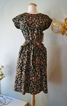 1950s Dress // Vintage 50s Swirl Rose Print Wrap by xtabayvintage, $148.00
