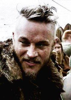 Ragnar Lothbrok (Travis Fimmel) on Vikings