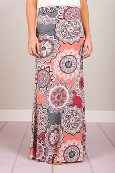 We saw how much you loved these vibrant print patterns in so many other styles. So, when we found it in in this casual maxi skirt, we just knew you were going t Womens Maxi Skirts, Printed Maxi Skirts, Long Maxi Skirts, Bohemian Maxi Skirt, Boho Skirts, Women's Skirts, Grey And Coral, Clothing Size Chart, Vestidos
