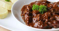 Na přípravu budete potřebovat:   750g jeleního masa ( měla jsem ořez )  hrst sušených hub  3 cibule  2PL sádla nebo oleje  2PL rybízu jak... Beef, Cooking, Ethnic Recipes, Meat, Kitchen, Brewing, Cuisine, Cook, Steak