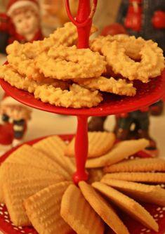 13 søte oppskrifter familien vil elske til jul! | Tones kaker Biscuits, Food And Drink, Bread, Cookies, Desserts, Recipes, Christmas Cakes, Crack Crackers, Crack Crackers
