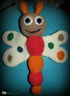Horgolt pillangó babáknak (hobbykattii) - Meska.hu